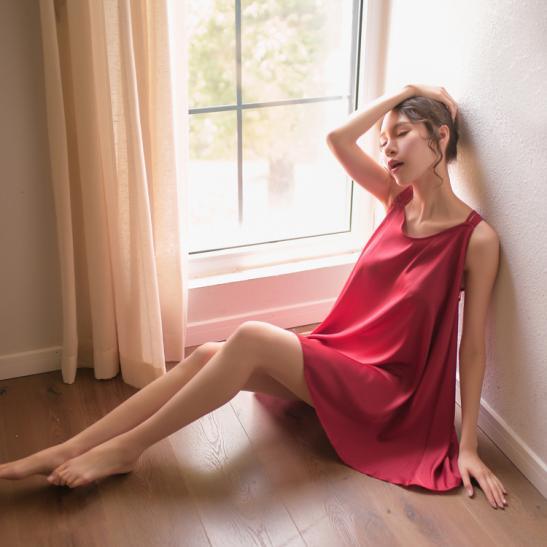 Váy ngủ siêu gợi cảm kèm quần lót lọt khe nữ hà nội - Ảnh 3