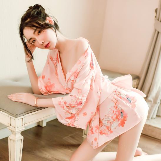Áo ngủ kimono hoa anh đào gợi cảm - Ảnh 1