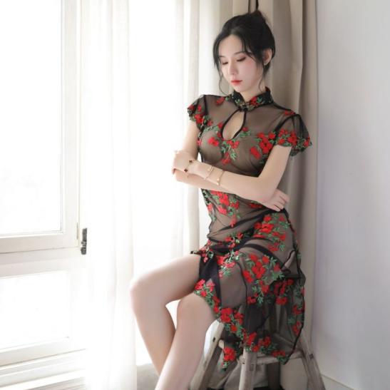 Váy ngủ sườn xám trong suốt thêu hoa - Ảnh 2