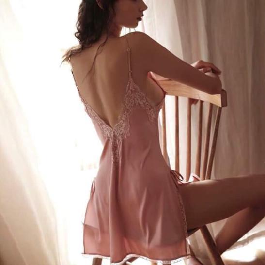 Váy ngủ ren xẻ 2 bên hông lụa cao cấp quyến rũ - Ảnh 2