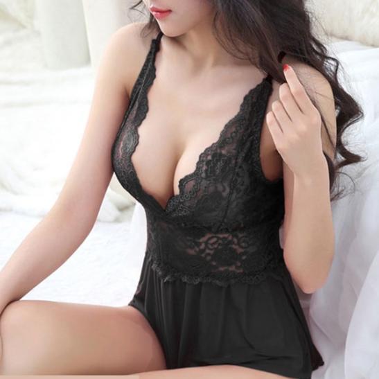 Váy ngủ xẻ ngực hở đáy quyến rũ chồng - Ảnh 4