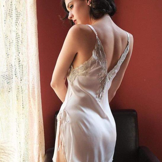 Váy ngủ ren xẻ 2 bên hông lụa cao cấp quyến rũ - Ảnh 4