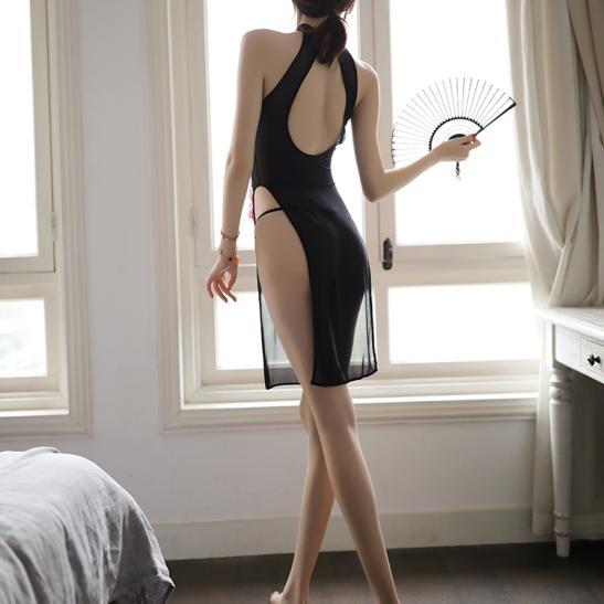 Áo ngủ sườn xám cách điệu kèm quần lót lọt khe nóng bỏng - Ảnh 4
