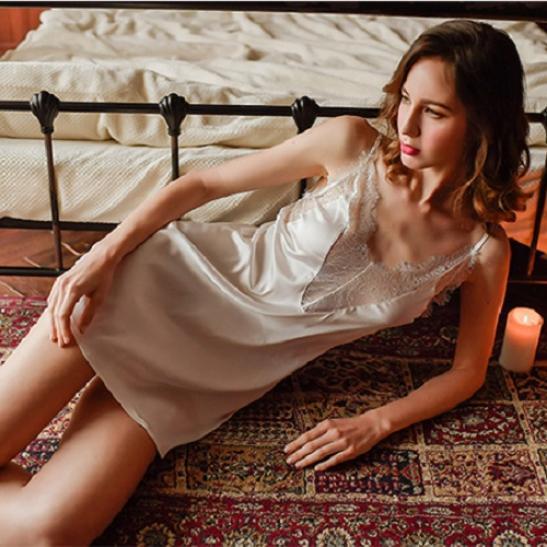Đầm ngủ lụa viền ren gợi cảm - Ảnh 3