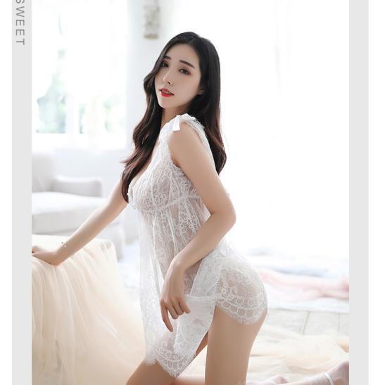 Đầm ngủ ren xuyên thấu cùng quần lọt khe mỏng dính - Ảnh 2
