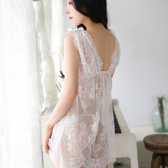 Đầm ngủ ren xuyên thấu cùng quần lọt khe mỏng dính - Ảnh 4