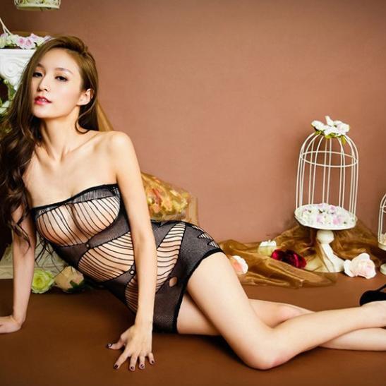 Váy ngủ lưới ôm body nóng bỏng - Ảnh 4