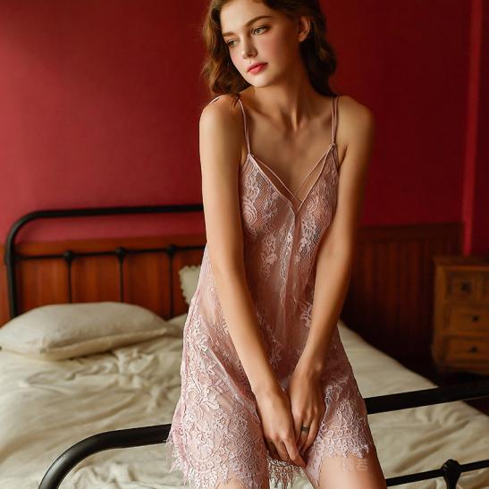 Đầm ngủ ren xuyên thấu cùng quần lót nữ gợi cảm - Ảnh 5