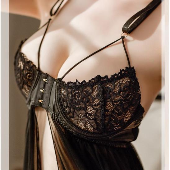 Đầm ngủ xẻ ngực cùng quần lót nữ gợi cảm - Ảnh 5