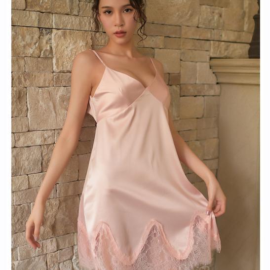Váy ngủ gợi cảm giá rẻ cùng quần lót nữ mỏng - Ảnh 1