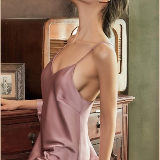 Váy ngủ nữ 2 dây bằng lụa xinh (đen, đỏ đô, hồng tím, xám) - Ảnh 2