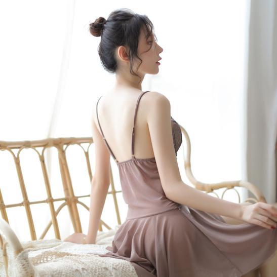 Đầm ngủ gợi cảm màu xám ruốc - Ảnh 4