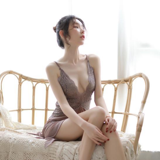 Đầm ngủ gợi cảm màu xám ruốc - Ảnh 3