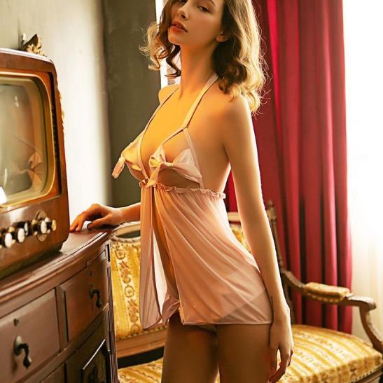 Váy ngủ xẻ trước hở ngực sexy - Ảnh 5