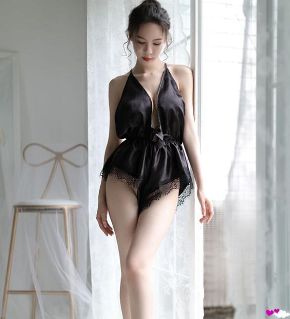 Áo ngủ liền thân xẻ ngực jumpsuit