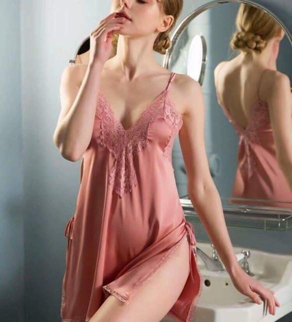 Váy ngủ ren xẻ 2 bên hông lụa cao cấp quyến rũ - Màu Trắng, Đen, Hồng Free size - đừng xa em đêm nay - fbimg1547806638350_c8hdg0og.jpg