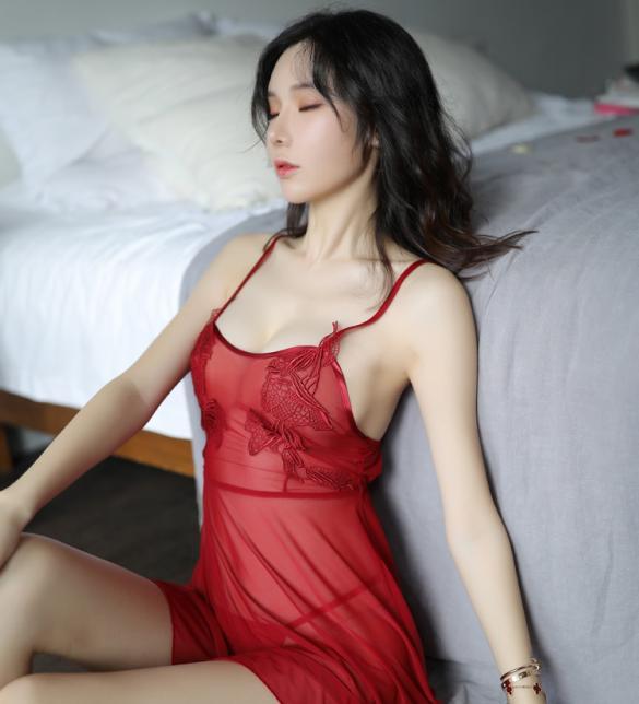 Đầm ngủ trong suốt cùng quần lót lọt khe nữ - Màu Đỏ, Trắng, Đen Free size - Thiêu đốt ánh nhìn chàng ấy - tk1030-vay-ngu-quyen-ru-7.jpg