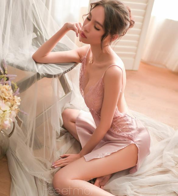 Váy ngủ lua viền ren gợi cảm - Màu Đen, Đỏ, Trắng, Hồng Free size - Khiến chàng kiệt sức vì bạn - tk1738-vay-ngu-goi-cam-1.jpg