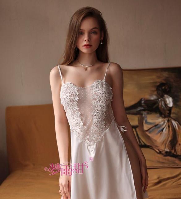 Váy ngủ nữ ren hoa phối lụa xẻ tà gợi cảm TK2580 (trắng, hồng) - dam-ngu-nu-hoa-goi-cam-tk2580-1.jpg