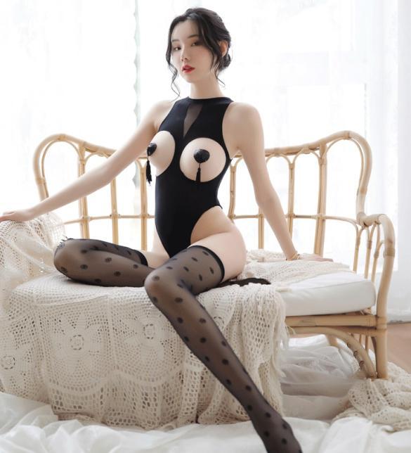 Áo ngủ liền thân hở ngực kèm tất - Màu Đen Free size - Sang chảnh - tk1801-ao-ngu-lien-than-3.jpg