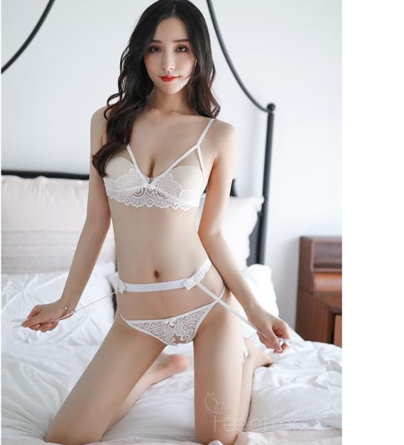 Đồ lót kẹp vớ ren hở ngực sexy - Màu Trắng, Đen Free size - Mê hoặc đối phương - tk1883-do-lot-kep-vo-ho-nguc-sexy-2.jpg
