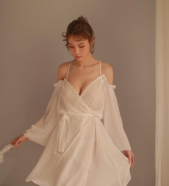 Đầm ngủ khoác trễ vai gợi cảm - Màu Trắng, Đen Free size - Quyến rũ chết người - tk1908-ao-khoac-ngu-tre-vai-goi-cam-2.jpg